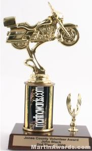 Black Single Column Road Motorcycle With 1 Eagle Trophy 1