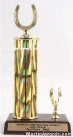 Gold Single Column Horseshoe With 1 Eagle Trophy