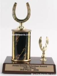 Black Single Column Horseshoe With 1 Eagle Trophy